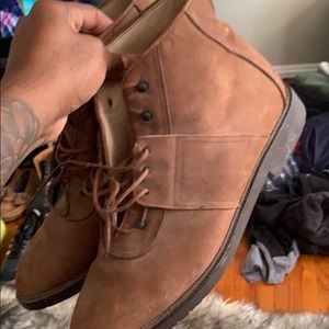 Kenneth Cole suede boots - size 11 - brown